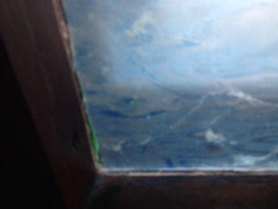 Belhurst Castle: More dirty windows