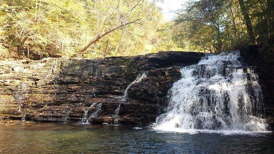 ทูลลาโฮมา, เทนเนสซี: Rutledge Falls
