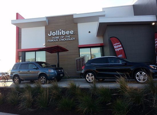 Skokie, IL: Drive-thru at Jollibee