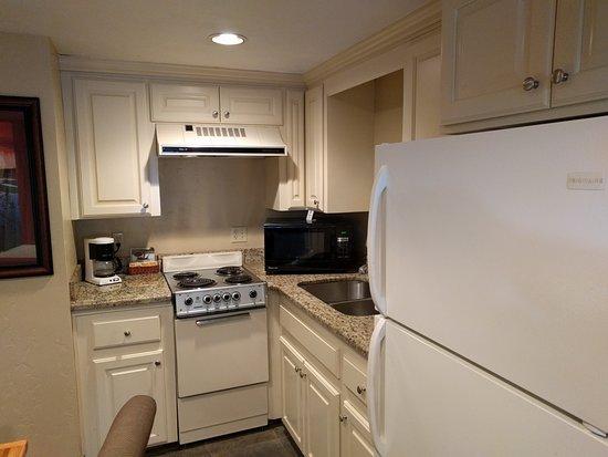 Idaho Falls, ID: Kitchen-Dining room