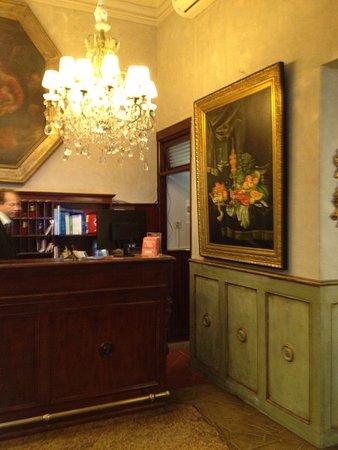 Palazzo dal Borgo Hotel Aprile: Reception Area