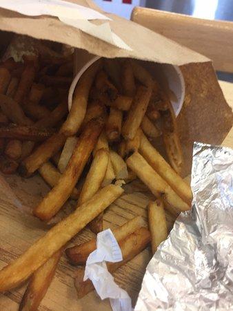นอร์ทเบอร์เกน, นิวเจอร์ซีย์: Lots of fries
