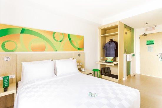 Go Hotels Manila Airport Road Queen Room