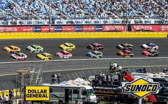 Concord, NC: NASCAR Bank of Amerika 500