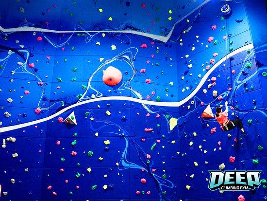 Deep Climbing Gym