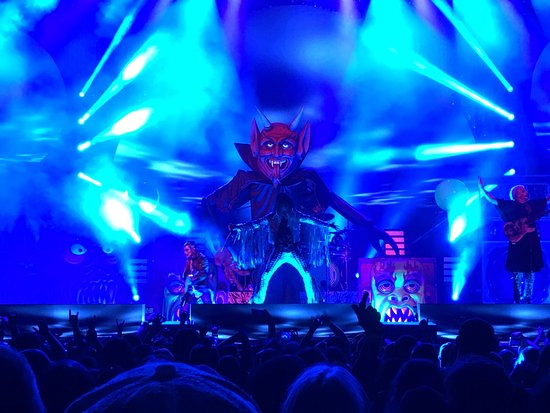 Auburn, WA: Rob Zombie at White River