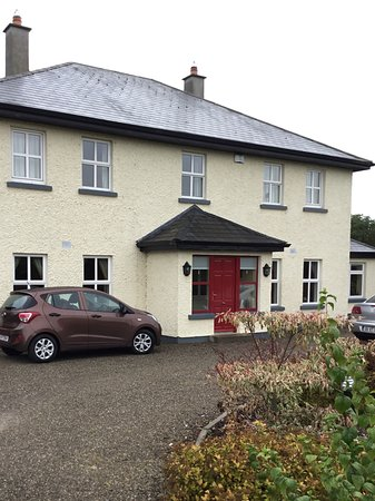 Beechfield House: Our little car parked in front of Ann's lovely home.