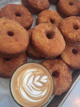 Brunswick Heads, Australia: Cronuts~Gnocchetti~Brekkie~Byron Bay Coffee ☕️🍩🍳