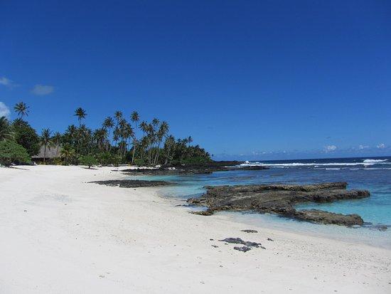 Upolu, Samoa: Main beach of resort looking back to restaurant