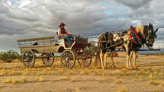Yucca, Arizona: Wagon Rides