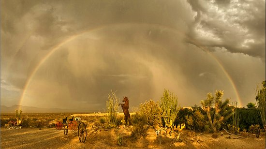 Yucca, AZ: Rainbow over ranch