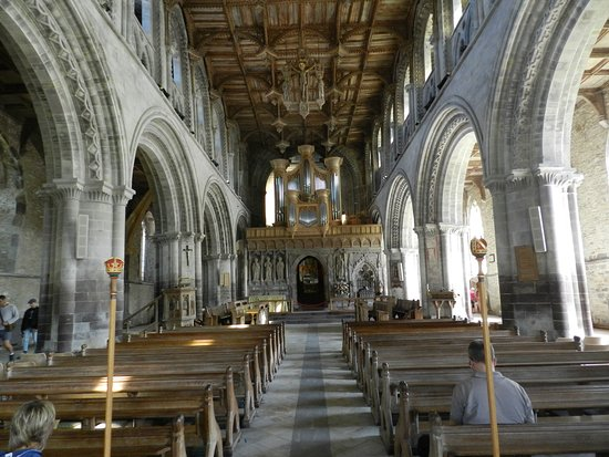 St. Davids, UK: Nave of the cathedral