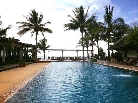 Nakara Long Beach Resort, Koh Lanta: Main Swimming Pool