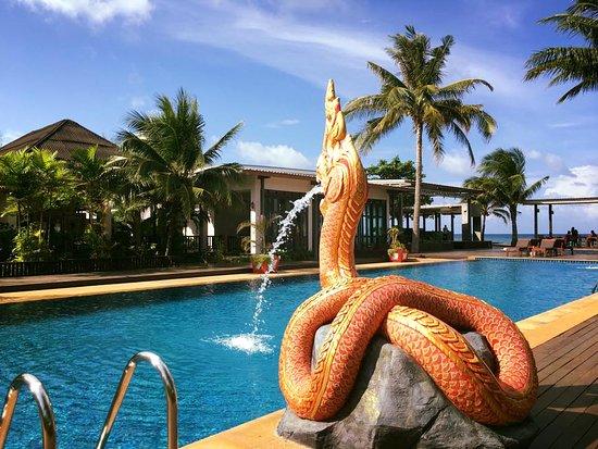 Nakara Long Beach Resort, Koh Lanta: Pool Area