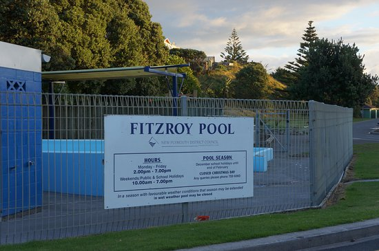 New Plymouth, Nieuw-Zeeland: Fitzroy Pool. Only a 100 metres from our front gate.