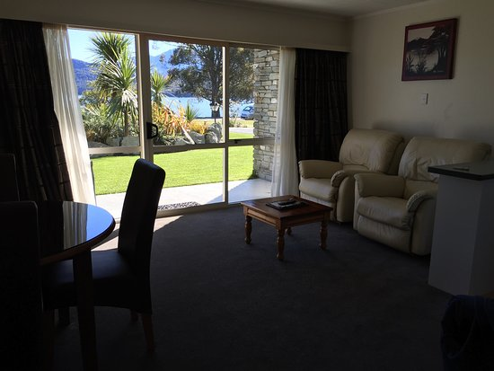 Fiordland Lakeview Motel and Apartments: photo7.jpg