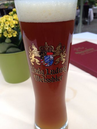 Hotel Bibermühle: 鹿肉料理のお供はビール。これはダークヴァイツェン。