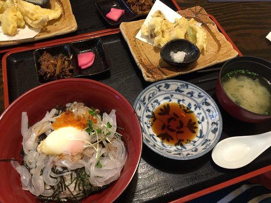 Tsukumi, Japan: モイカフェスタ期間中のモイカ定食