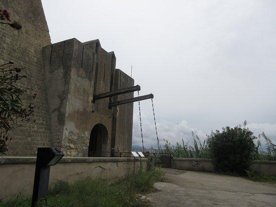 Baia, Italien: Ponte levatoio