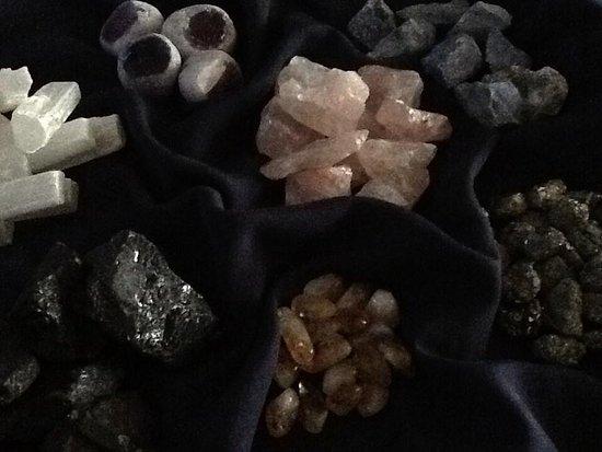 Куджоу-Ки, Флорида: Crystal Therapy-use semi-precious gemstones to balance your energy.