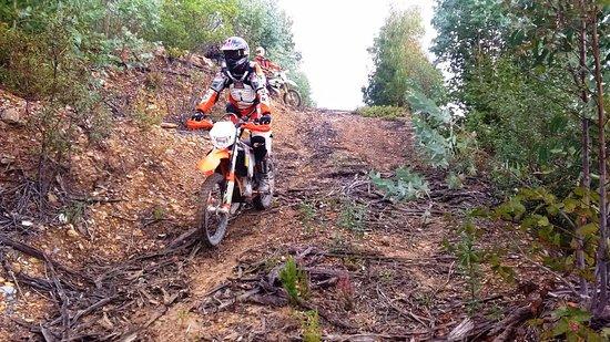 Sao Bartolomeu de Messines, Португалия: Location moto Portugal, le vrai enduro