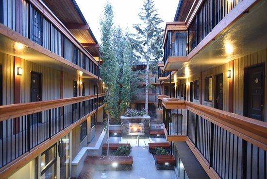 Picture of banff aspen lodge banff tripadvisor for The aspen lodge