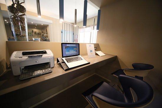 Hotel Villa Igea : Internet Point Service