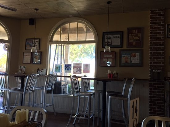 Encinitas, Californië: Inside the restaurant
