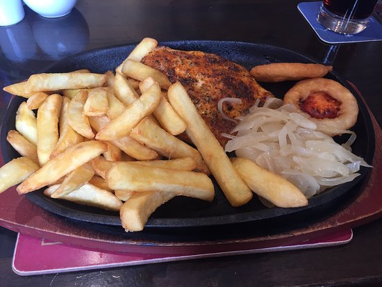 Barrow-in-Furness, UK: Pub grub food, good for the price