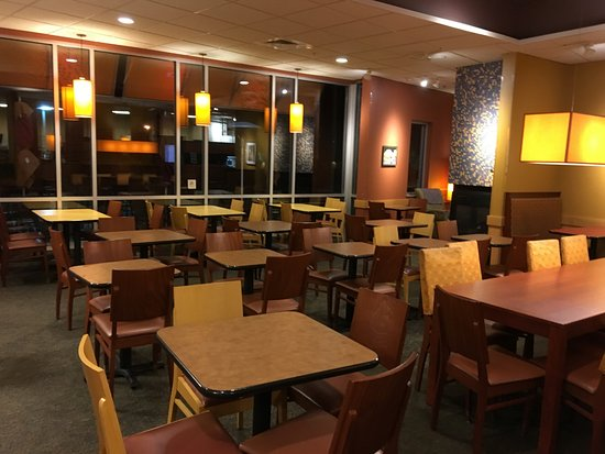 Fairport, Estado de Nueva York: Panera Bread - main dining room