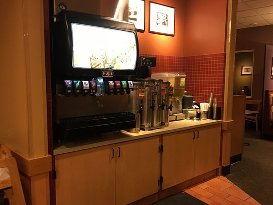 Fairport, Estado de Nueva York: Panera Bread - beverage counter