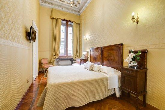 Bagno Esterno Privato : Camera matrimoniale con bagno privato esterno foto di affreschi