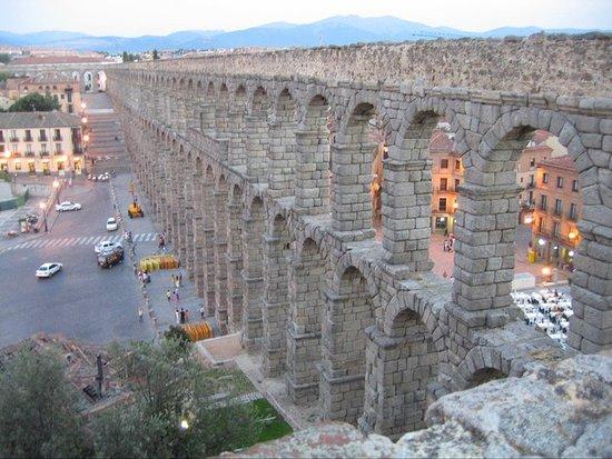 Aquädukt von Segovia: Vista del Acueducto desde arriba