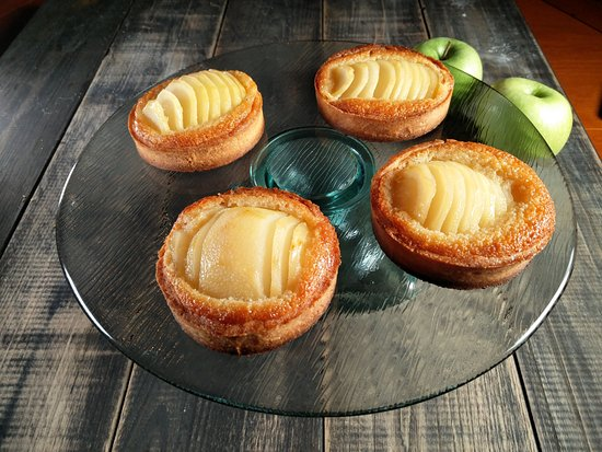 Anzex, ฝรั่งเศส: Our pear tarts