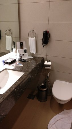 Hotel Suba International: Bathrooms are clean