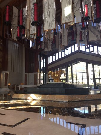 Wutai County, Chine : Zona de recepción del hotel - todo a lo grande