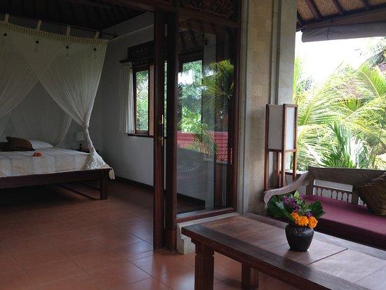 Villa Ibu: 1st floor suite balcony
