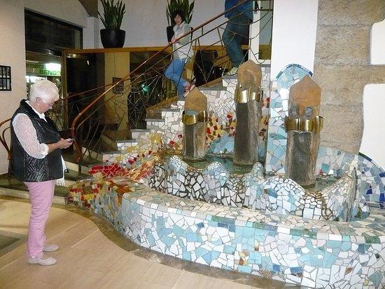 Hotel Gaudi: Hotel Foyer