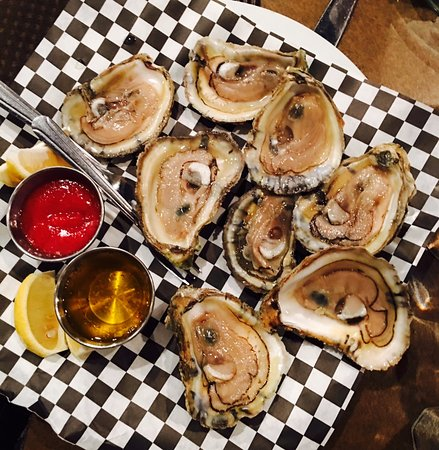 Wilson, NC: Oysters on the half shell
