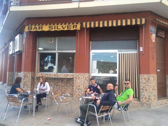 La Carrera, España: 4 Amici al bar