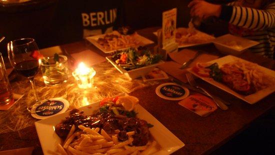 Addi's Essen und Trinken: Jagerschnitsel en milanoschnitsel