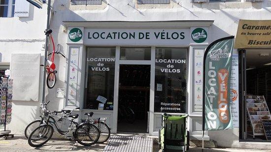 Le Bois-Plage-en-Re, Francia: Magasin Tout à vélo 21 rue de l'église - Le Bois Plage en Ré