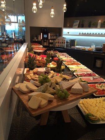 Breakfast Buffet Bild Von Strandgut Resort Sankt Peter Ording