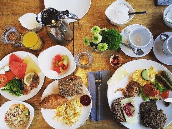 StrandGut Resort: Breakfast feast