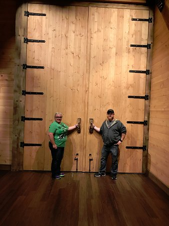 Williamstown, KY: The Doors to the Ark Where the Let the Animals Enter