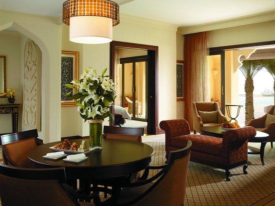 Shangri-La Hotel, Qaryat Al Beri, Abu Dhabi: Living area of Garden Suite