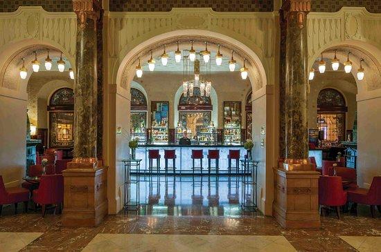 Лобби Бар Гранд Отеля Европа