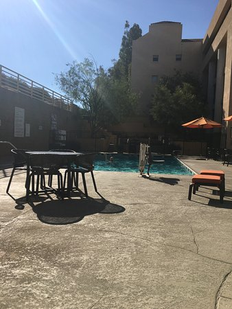 Sheraton Agoura Hills Hotel: the pool area
