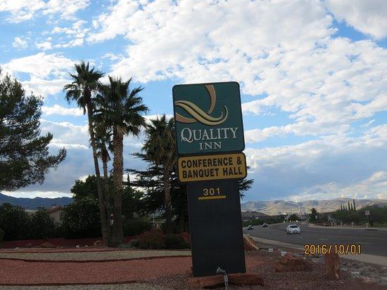 Cottonwood, AZ: Sign