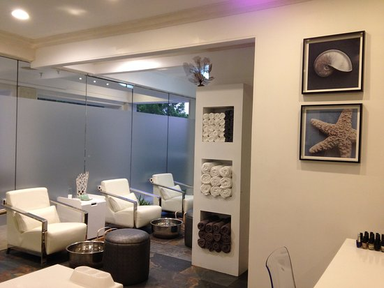 Holetown, Barbados: Our serene Manicure and Pedicure Lounge.